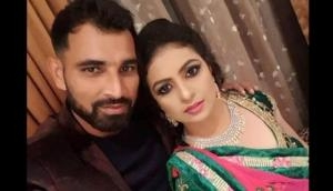 Mohammed Shami's wife Hasin Jahan leaked his Facebook chat on social media; accuses him of multiple affairs and assaults