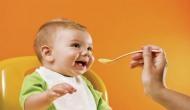 6 महीने से छोटे बच्चे को पानी पिलाना घातक, हो सकती है ये बीमारी