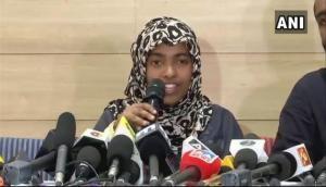 मुसलमान के रूप में जीवन बिताने के लिए गई SC: हादिया