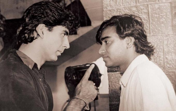 Akshay Kumar reacts over Ajay Devgan questions - YouTube  |Akshay Kumar And Ajay Devgan