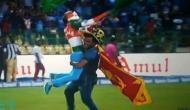 तस्वीरें- टीम इंडिया के जश्न में शामिल हुए मेजबान दर्शक तो रोहित ने थाम लिया श्रीलंका का झंडा