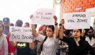 JNU: यौन उत्पीड़न के आरोपी, प्रोफेसर जौहरी का विरोध कर रहे छात्रों में 17 के खिलाफ FIR