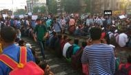मुंबई: सरकारी नौकरी के लिए छात्रों का हल्ला बोल, रेल पटरियों पर शुरू किया आंदोलन