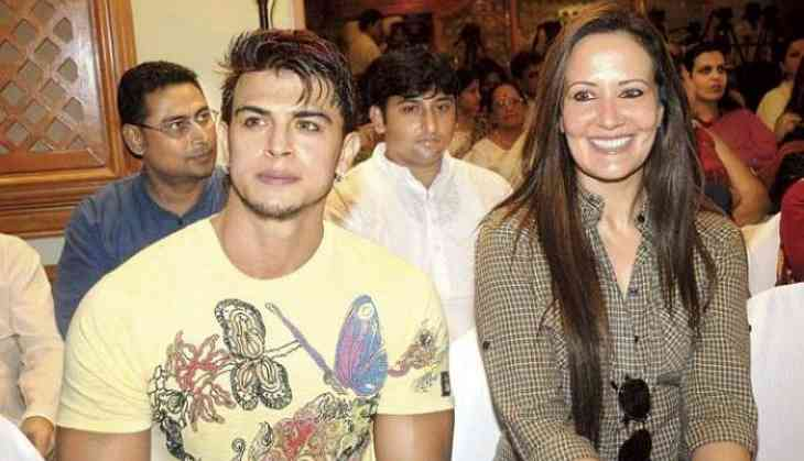 CDR Scam: Sahil Khan to Tiger Shroff's mother, Ayesha Shroff, 'Karma Is a Bi**ch, what goes around comes around'