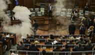 संसद में वोटिंग रोकने के लिए विपक्ष ने छोड़े आंसू गैस के गोले, मची भगदड़