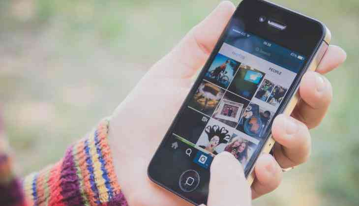 Instagram finally launches chronological news feed again