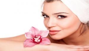 जानिए कैसी है आपके चेहरे की त्वचा, स्कीन के हिसाब से लगाएं फेसपैक पाएं दमकता चेहरा