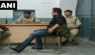 जेल में कैदी नंबर 106 सलमान खान का दिखा दबंग अंदाज, तस्वीर वायरल