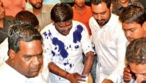 मध्यप्रदेश में हार्दिक पटेल पर फेंकी गई स्याही, युवक ने होटल में घुसकर दिया अंजाम