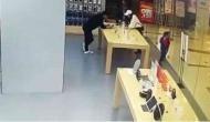 शॉपिंग मॉल में बच्चे के साथ हुआ कुछ ऐसा कि मां की निकल गई चीख, वीडियो वायरल