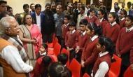 हरियाणा: खट्टर सरकार ने स्कूली बच्चों से पूछा- आपके मां-बाप 'गंदा' काम तो नहीं करते?