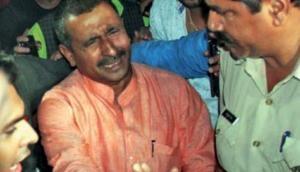 उन्नाव गैंगरेप केस: BJP विधायक कुलदीप सेंंगर का देर रात मीडिया के सामने हाई वोल्टेज ड्रामा, नहीं किया सरेंडर