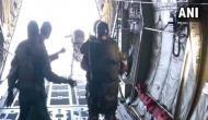 Video: हजारोंं फीट की ऊंचाई से छलांग लगा रहे हैं वायुसेना के जवान, देखकर रोमांचित हो उठेंगे आप