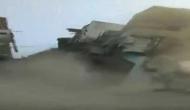 VIDEO: पलक झपकते ही मलबे के ढेर में बदल गई तीन मंजिला बिल्डिंग