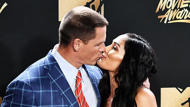 Cena dating bella twin 6