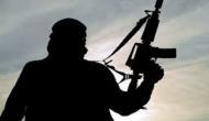 जम्मू-कश्मीर: आतंकी समीर टाइगर के जनाजे में आतंकियों का हुजूम, बेखौफ लहराई AK-47