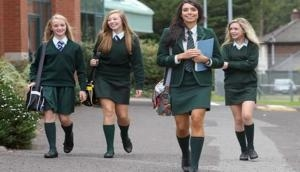 स्कूल में छात्राओं ने किया ब्रा पहनने का विरोध, वजह है चौंकाने वाली