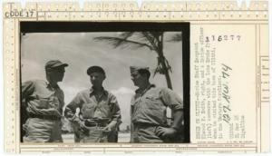 नेशनल आर्काइव ने जारी की द्वितीय विश्वयुद्ध कवर करने वाले इस पत्रकार की तस्वीरें