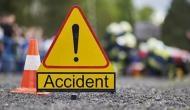 सड़क हादसा: दिल्ली में ऑटो से टकराई स्कूल वैन, 1 की मौत और 15 घायल