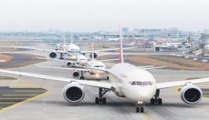 योगी सरकार का बजट- जेवर हवाई अड्डे के लिए 2,000 करोड़ का फंड, ये हैं बड़ी घोषणाएं