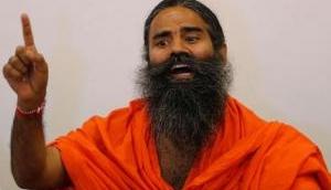 रेड लेबल चाय के विज्ञापन पर रामदेव ने छेड़ा संग्राम, HUL का किया बहिष्कार