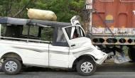 यूपी: खड़े ट्रक से जा भिड़ी मैजिक, 12 लोगों की मौत