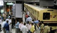 कोलकाता मेट्रो में कपल ने कर दी ऐसी हरकत, लोगों ने की जमकर पिटाई