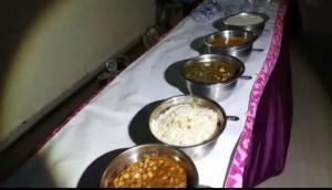योगी सरकार के मंत्री का दिव्य ज्ञान- दलितों के घर खाने वाले बीजेपी नेता भगवान राम की तरह