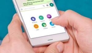 WhatsApp facilitates group descriptions, admin controls