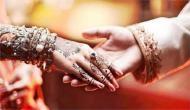 यहां अनोखे अंदाज में होती है शादी, औरतें दूल्हे के साथ सरेआम करती हैं ऐसी हरकत