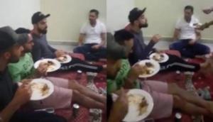 मैच से पहले सिराज के घर बिरयानी पर टूट पड़ी कोहली एंड टीम, वीडियो वायरल