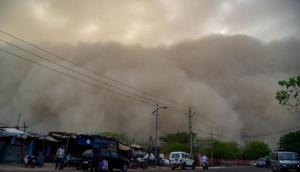 आंधी-तूफान मचा सकता है कहर, दिल्ली-NCR, यूपी और हरियाणा में स्कूल बंद