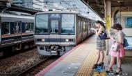इस देश में एक सेकेंड भी ट्रेन लेट हो जाए तो अफसरों को मांगनी पड़ती है माफी