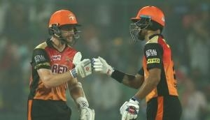 IPL 2018: पंत के तूफानी शतक पर भारी पड़े धवन-विलियमसन, दिल्ली प्लेऑफ से बाहर