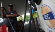 तेल का खेल: डीजल के दामों में मिली राहत, पेट्रोल ने पार किया 90 का आंकड़ा