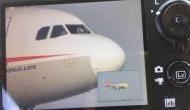 आसमान में 32 हजार फीट ऊंचाई में विमान के कॉकपिट की टूटी खिड़की और फिर...