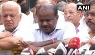 येदियुरप्पा के बाद कुमारस्वामी ने राजभवन पहुंचकर ठोका दावा, अब इंतज़ार राज्यपाल के फैसले का