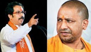 CM योगी का आरोप- शिवसेना ने पीठ में घोंपा खंजर तो उद्धव ने कहा- चप्पल से मारेगी जनता