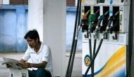 पेट्रोल-डीजल के बढ़ते दामों से नहीं मिली आजादी, फिर बढ़े दाम