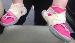 17 महीने की बच्ची को डे केयर में छोड़कर आई थी मां, स्टाफ ने कर दी ऐसी हरकत