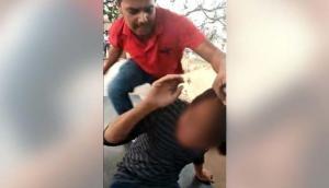 Uttar Pradesh: Shame! Muslim Man brutally beaten by men over 'Relationship' with Hindu girl in Kanpur by Hindutva goons; Video goes viral