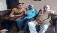 MS  Dhoni hosts Sachin Tendulkar's die-hard fan Sudhir Gautam for lunch at his farmhouse