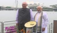 PM Modi unveils Mahatma Gandhi plaque in Singapore