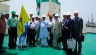 गुजरात के बंदरगाह पर गैस लेकर पहुंचा रूसी जहाज, सरकार ने बताया बड़ी उपलब्धि