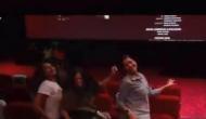 'वीरे दी वेडिंग' देखने के बाद लड़कियां थिएटर में ही करने लगीं ये काम, वीडियो वायरल