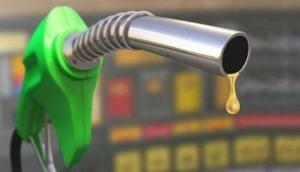 आज इतनी कम हुईं पेट्रोल-डीजल की कीमतें, जानें अपने शहर में तेल के रेट