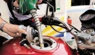 पेट्रोल-डीजल की कीमतों में स्वतंत्रता दिवस के बाद नहीं मिल रही आजादी, आज फिर बढ़े दाम