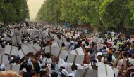 लोक कल्याण मार्ग की तरफ बढ़े AAP कार्यकर्ता, PM आवास के सामने प्रदर्शन की तैयारी