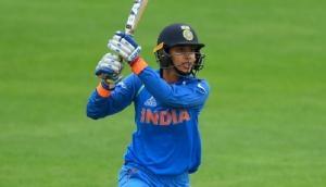 हरमनप्रीत कौर चोट की वजह से सीरीज से हुई बाहर, टी-20 में स्मृति मंधना को मिली कप्तानी