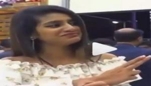 Video: प्रिया प्रकाश ने फिर मटकाए नैन, को स्टार का एक बार फिर हुआ ये हाल